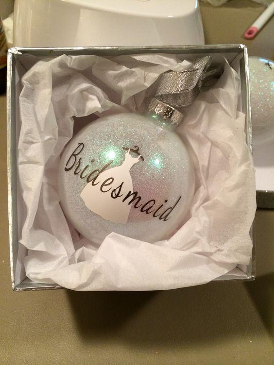 Winter_gift_bauble
