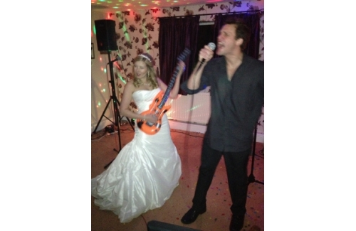 Fantastic Karaoke Entertainment for your Wedding