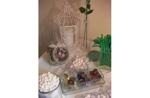 Catch My Drift Event Services Offering Venue Styling, Candy Buffets and more