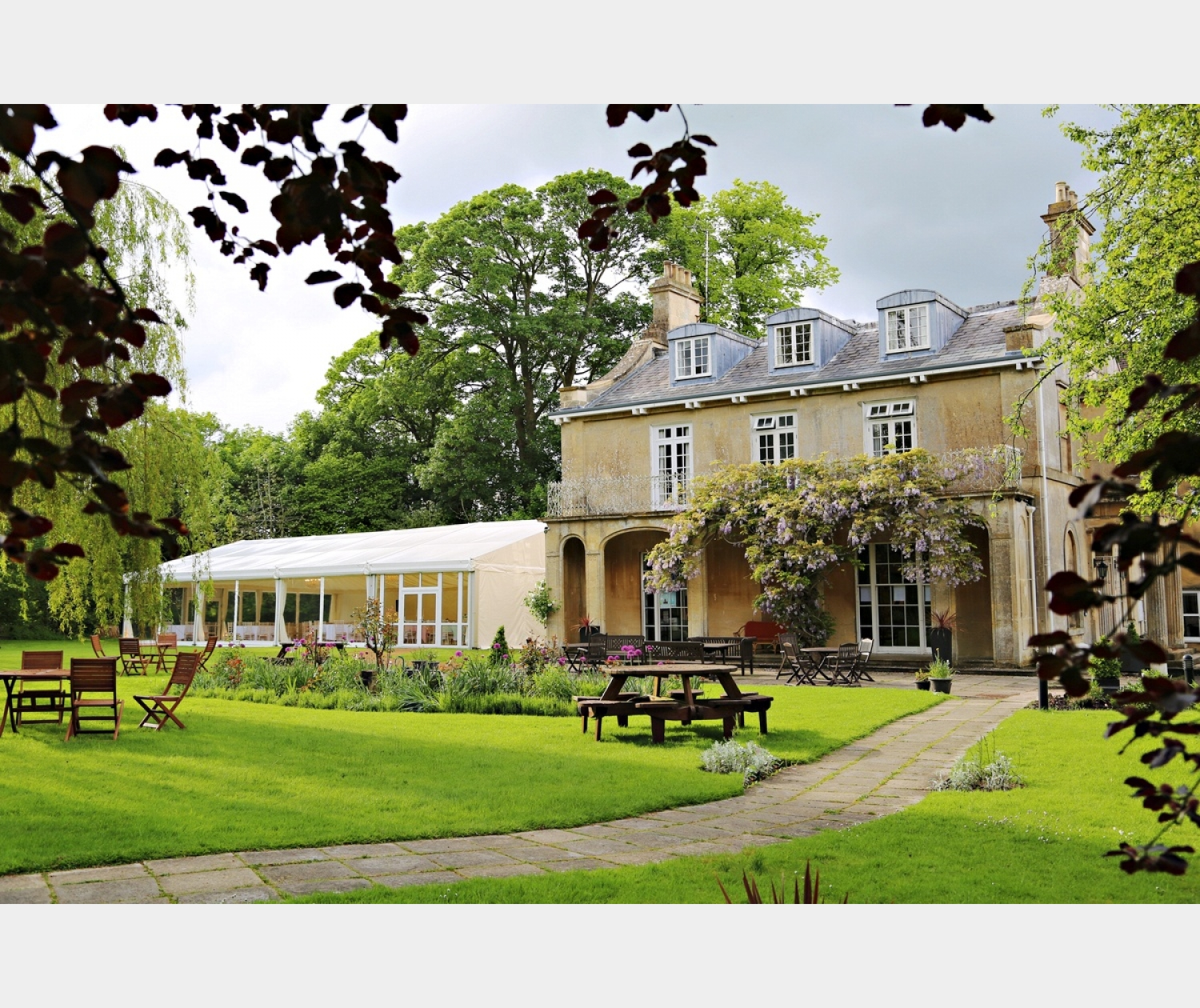 The Chiseldon House (Nr Malborough) Wedding Show